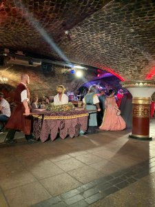 Medieval Banquet London Dinner is served!