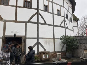 Shakespeare's Globe guided tour entrance